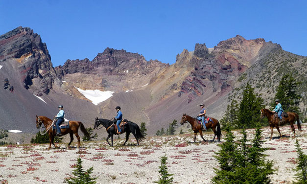 8 Ways to Be a Good Trail-Riding Buddy